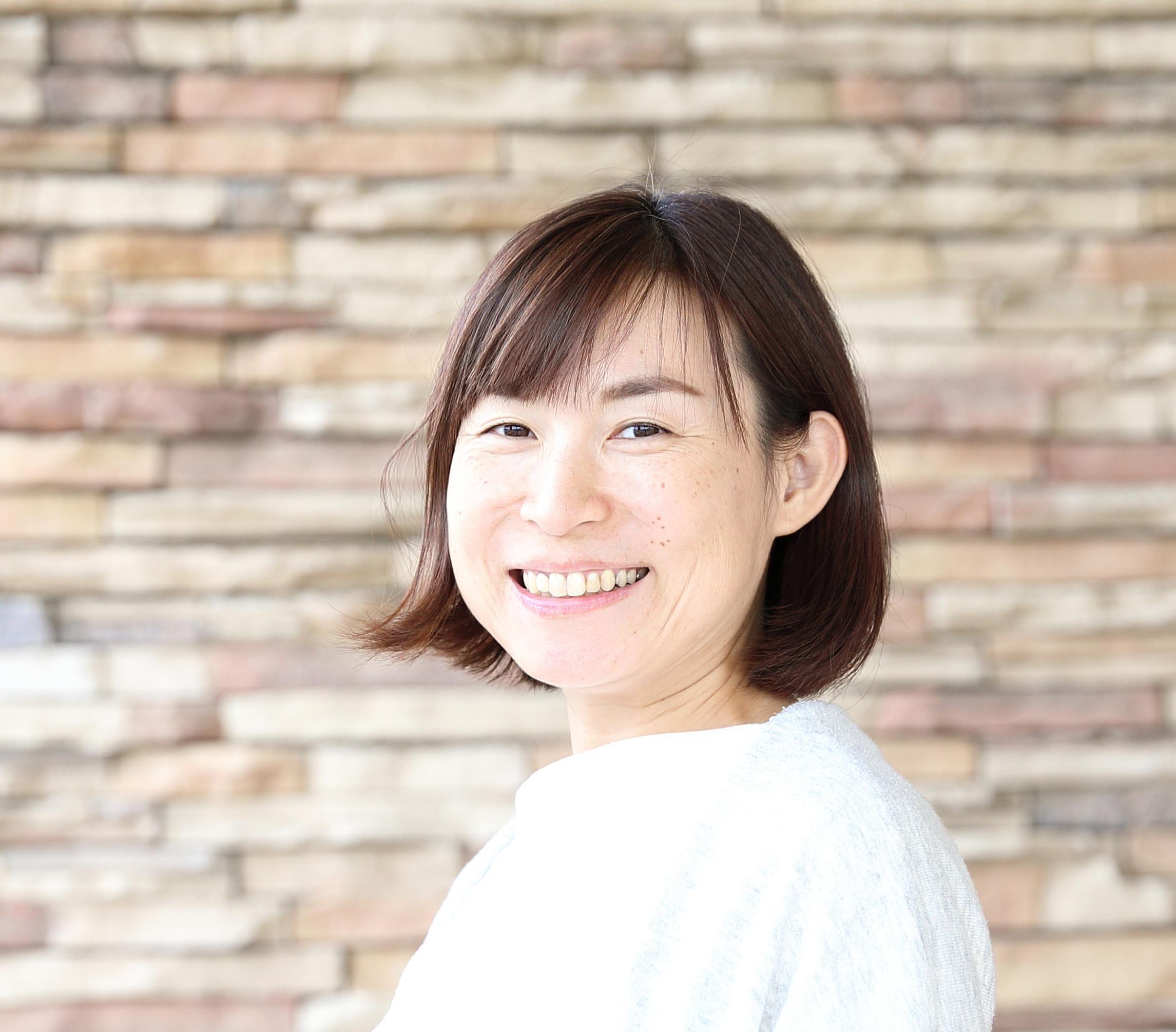 コトバ to デザイン コピーライター&デザイナー 徳光千春