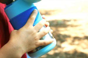 男の子の水筒